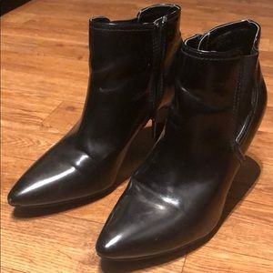 Bandolino Black ankle boots/ booties